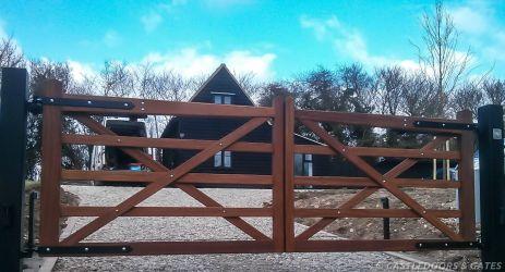 electric gates on driveway